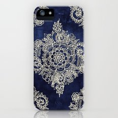 Cream Floral Moroccan Pattern on Deep Indigo Ink iPhone (5, 5s) Slim Case