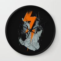Fall Effect Wall Clock