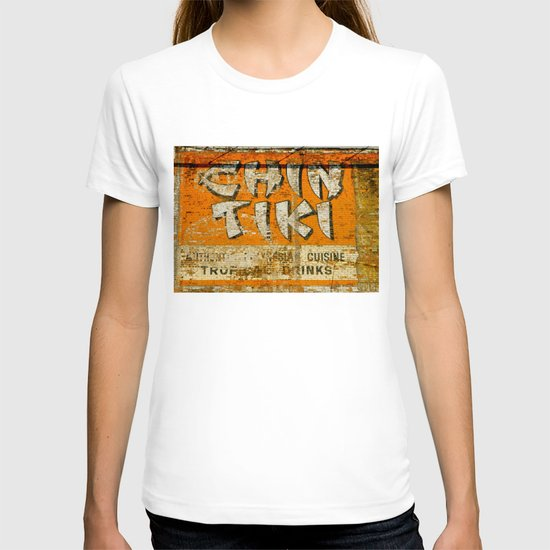 Chin Tiki Wall  T-shirt