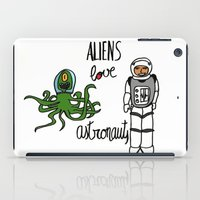 Aliens love astronauts iPad Case