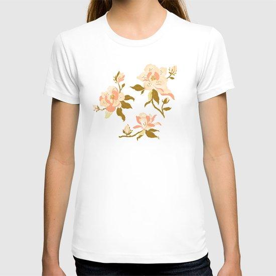 Magnolia Pattern T-shirt