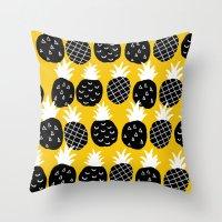 Black pineapple. Throw Pillow