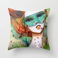 Vanity Verde Throw Pillow