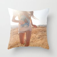Warpaint. Throw Pillow