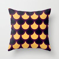 Scallop Pattern Throw Pillow