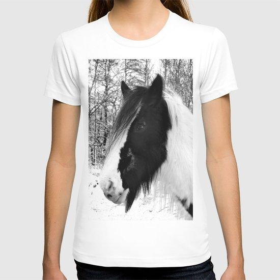 Horse. Black+White.Snow. T-shirt