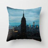 Skyline New York Throw Pillow