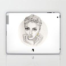 MY FAIR BRAIDY // CIRCLE Laptop & iPad Skin