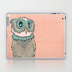Owl wearing glasses II Laptop & iPad Skin