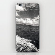 tipsy ocean {b&w iPhone & iPod Skin