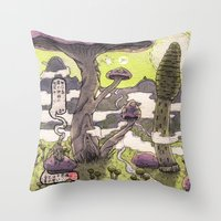 無口森 Throw Pillow