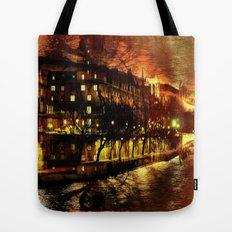 Paris brûle-t-il ? Tote Bag