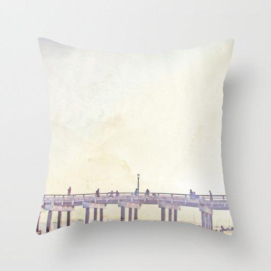 California Dreamin' in NY Throw Pillow