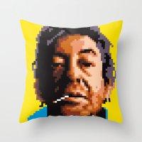 Vieille canaille Throw Pillow