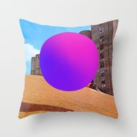 Modernismo Throw Pillow