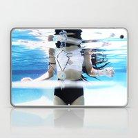 UNDERWATER STILLNESS Laptop & iPad Skin