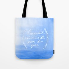 L'essentiel Tote Bag
