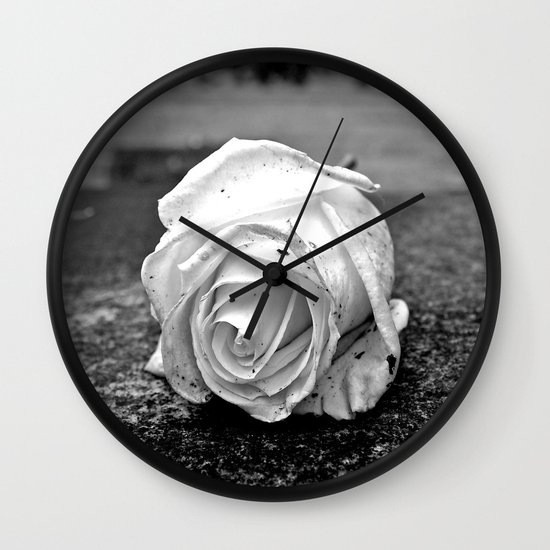 One last rose Wall Clock