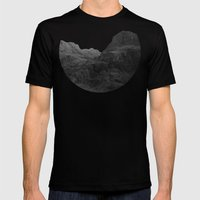 The Highland Pass Mens Fitted Tee Black SMALL