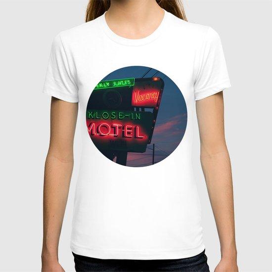 no tell T-shirt