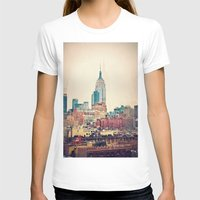 NYC Vintage style Womens Fitted Tee White SMALL
