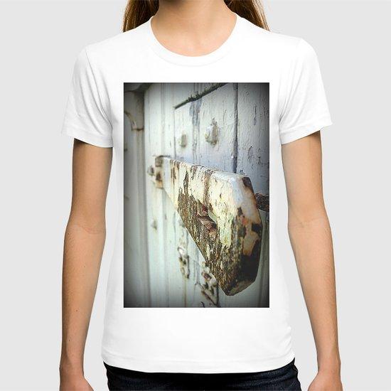 Latch (Macro) T-shirt