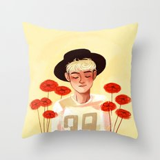 Niall in Harry's hat Throw Pillow