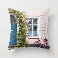 Bicycle. Throw Pillow
