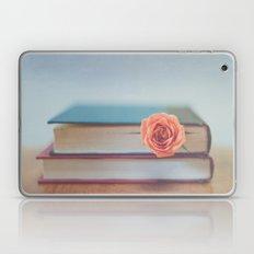 Summer Reading Laptop & iPad Skin