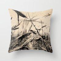 DRESSED GRAIN Throw Pillow