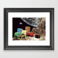Uzakta Yaşam Framed Art Print
