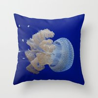 JellyFishi Throw Pillow