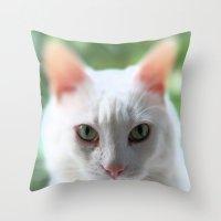 Green eye, pink nose Throw Pillow