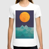 retro T-shirts featuring The ocean, the sea, the wave - night scene by Picomodi