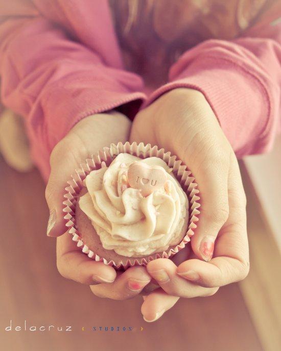 Cupcake in waiting Art Print