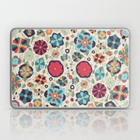 En El Traje De Un Payaso Laptop & iPad Skin