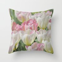 Tulpen Throw Pillow
