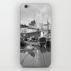 Tenby Harbour Boats.Pembrokeshire.B+W. iPhone & iPod Skin