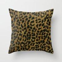 Animalier Throw Pillow