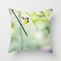 take flight Throw Pillow