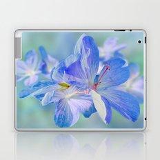 FLOWERS - Geranium endressii Laptop & iPad Skin
