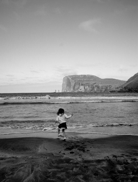 Dancing with the ocean Art Print