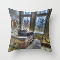 Lost traveller  Throw Pillow