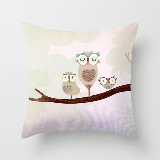 Mother owl and children Throw Pillow