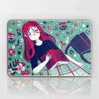 Flowe Bed Laptop & iPad Skin