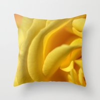 Orient Rose 2486 Throw Pillow