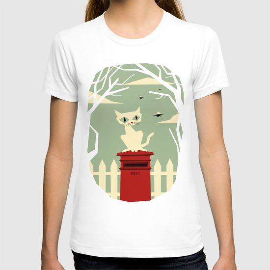 Let's meet at the red post box T-shirt