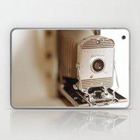 Polaroid 800 Vintage Cam… Laptop & iPad Skin