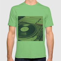 Vintage Turntable And Re… Mens Fitted Tee Grass SMALL