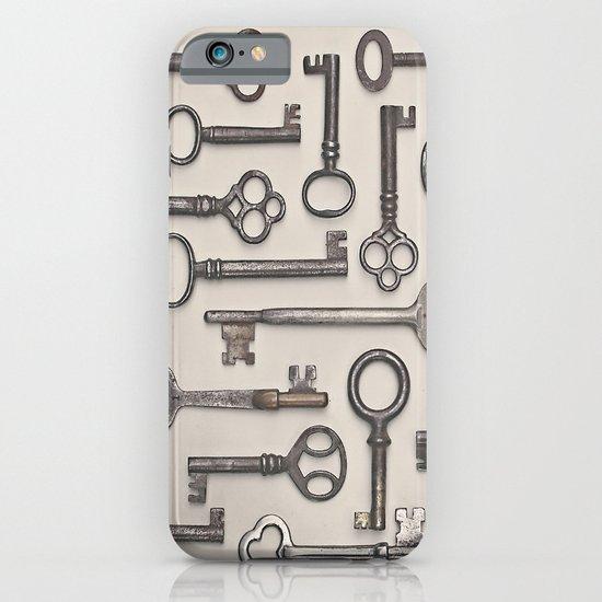 Labyrinth (Grey Version) iPhone & iPod Case
